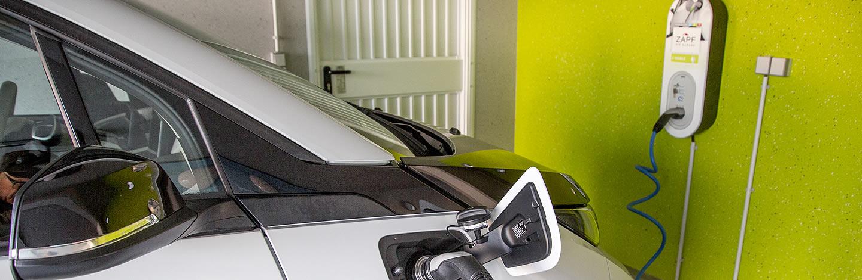 zapf fertiggarage mit ladestation f r elektrofahrzeuge. Black Bedroom Furniture Sets. Home Design Ideas